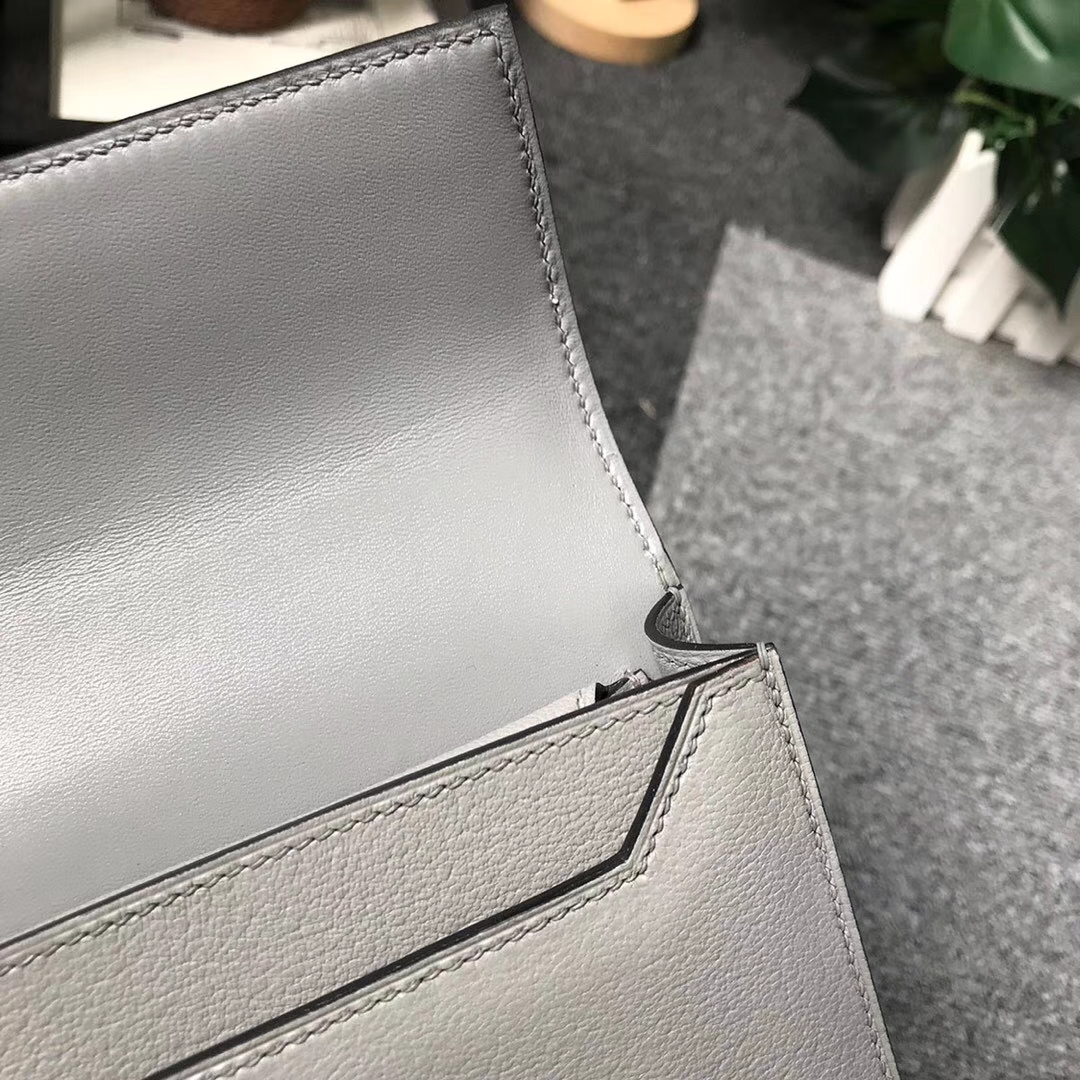 Hermès(爱马仕)4Z海鸥灰 原厂御用顶级山羊皮 Verrou 插销包