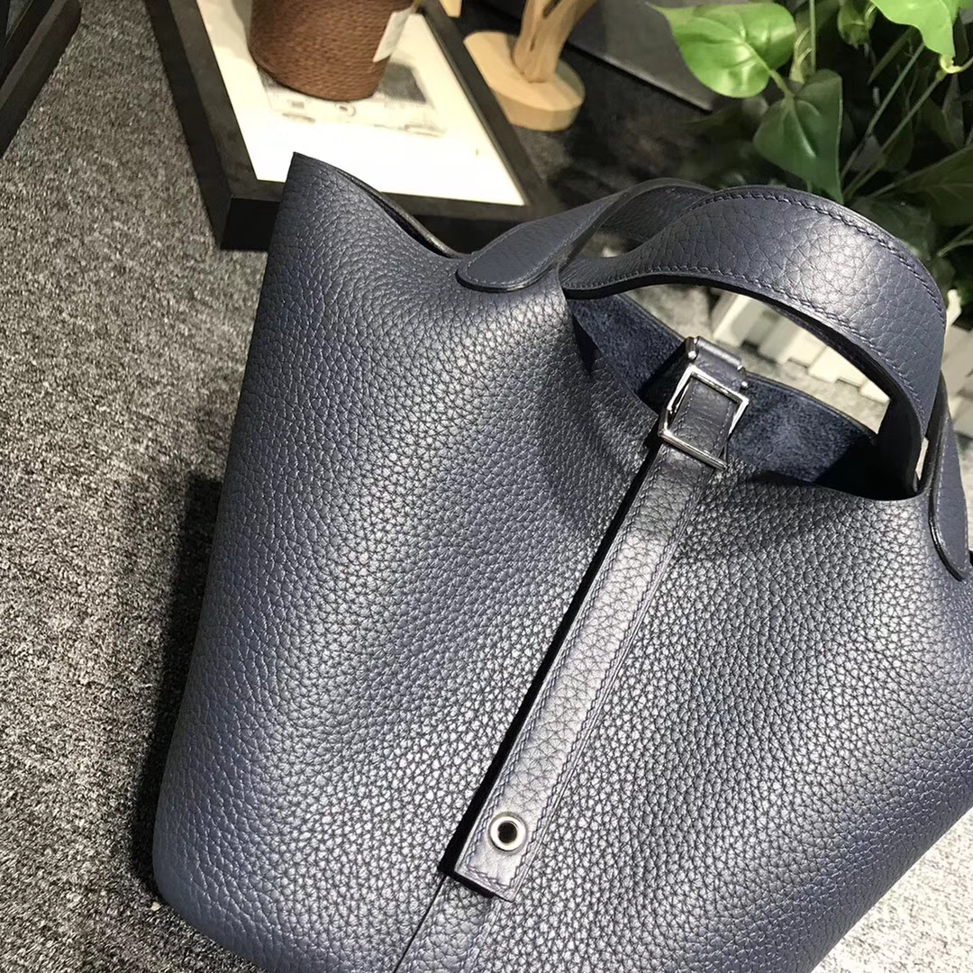 Hermès(爱马仕)墨水蓝 原厂御用顶级TC 皮 Picotin  Lock 18cm 银扣