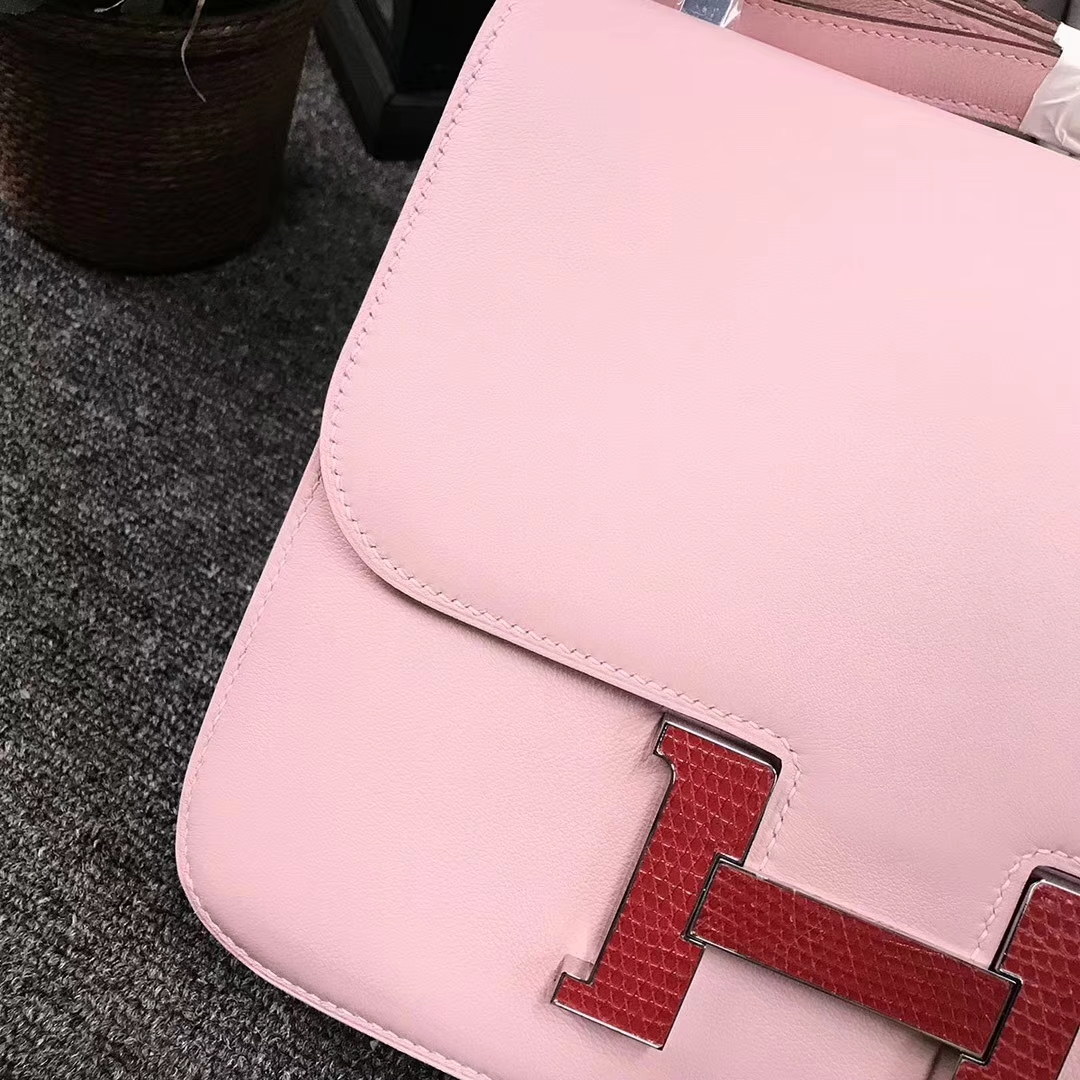 Hermès(爱马仕)Constance空姐包 3Q新樱花粉 原厂御用顶级Swift 皮 红色蜥蜴扣 24cm