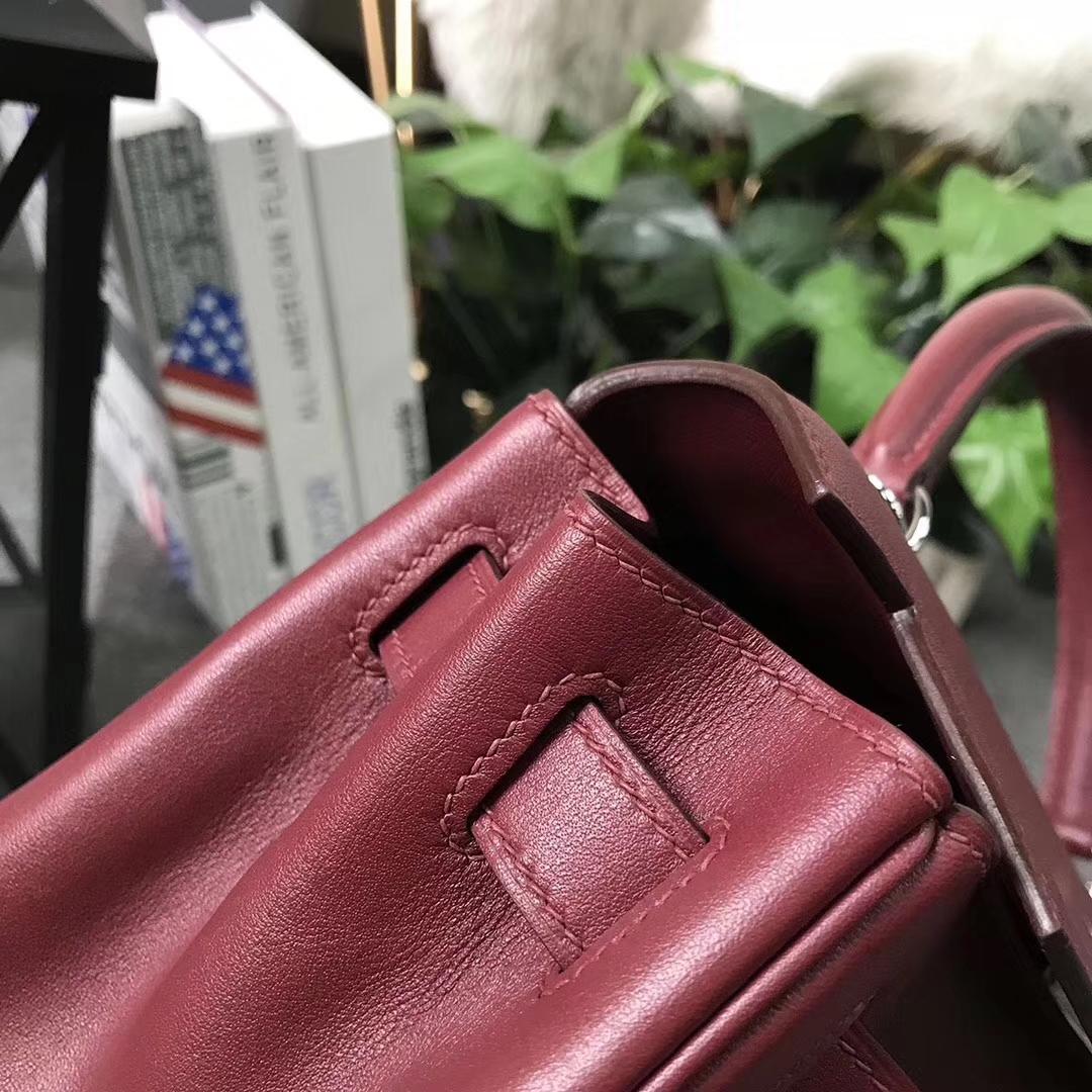Hermès(爱马仕)Kelly凯莉包 爱马仕红 原厂御用顶级Swift 皮 内缝 28cm 银扣