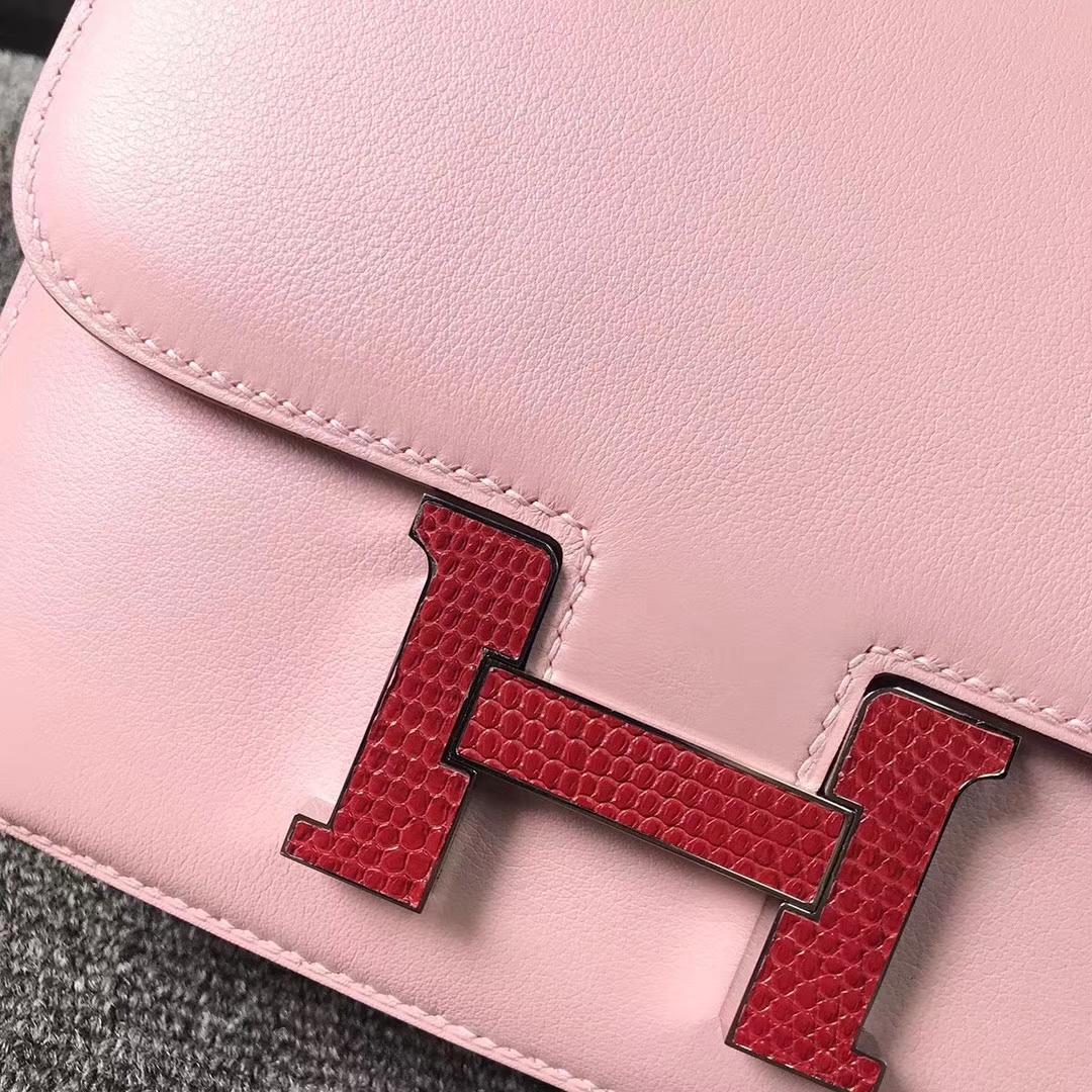 Hermès(爱马仕)Constance空姐包 3Q新樱花粉 原厂御用顶级Swift 皮 红色蜥蜴扣 19cm