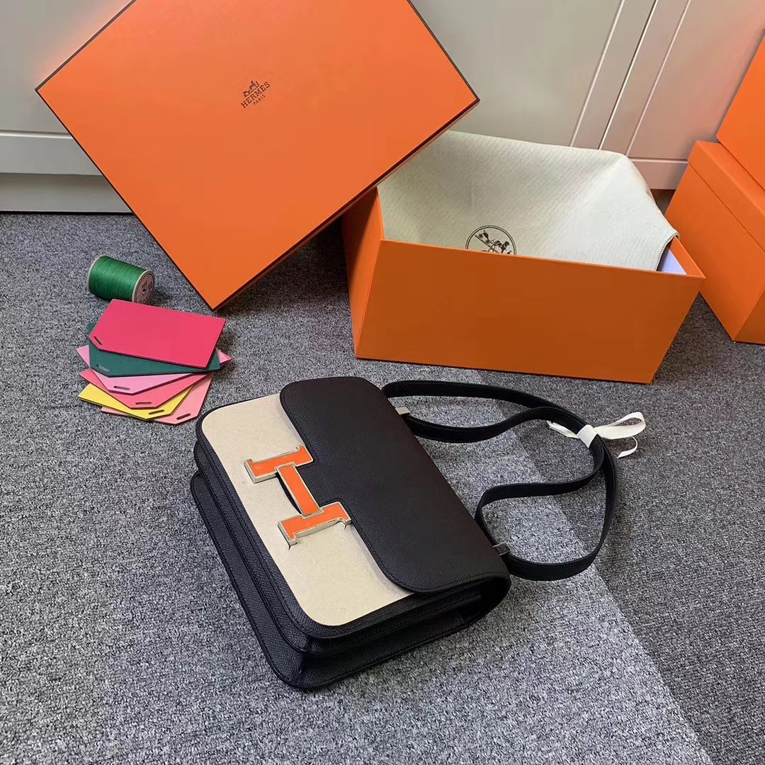 Hermès(爱马仕)CK89 黑色 原厂御用顶级Epsom 皮 Constance 24 银边罂粟橘色珐琅扣