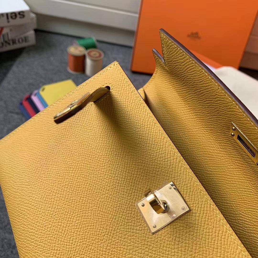 Hermès(爱马仕)琥珀黄 原厂御用顶级Epsom 皮 Mini Kelly 金扣 现货