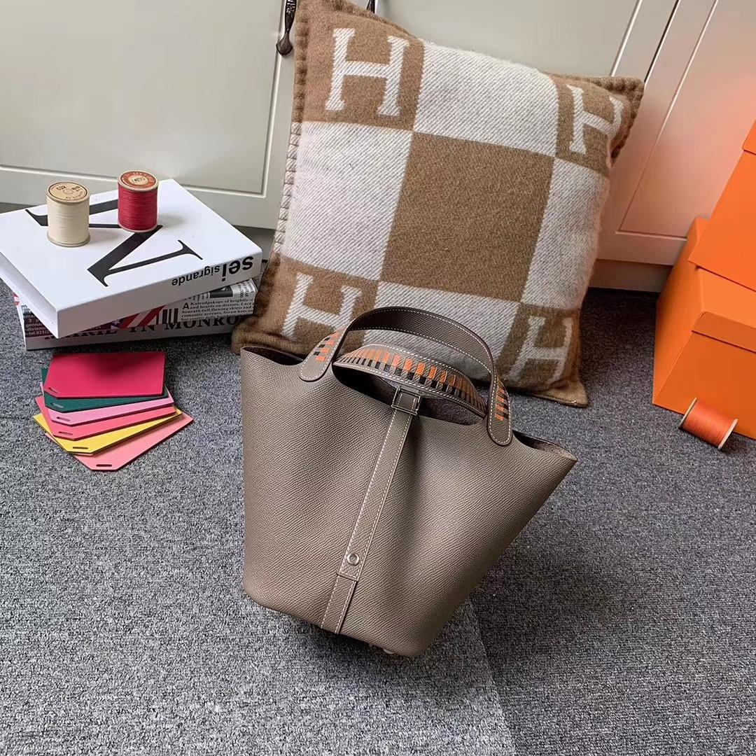 Hermès(爱马仕)Picotin Lock 菜篮包 CK18 大象灰 手腕编织 原厂御用顶级Epsom 皮 银扣 18cm