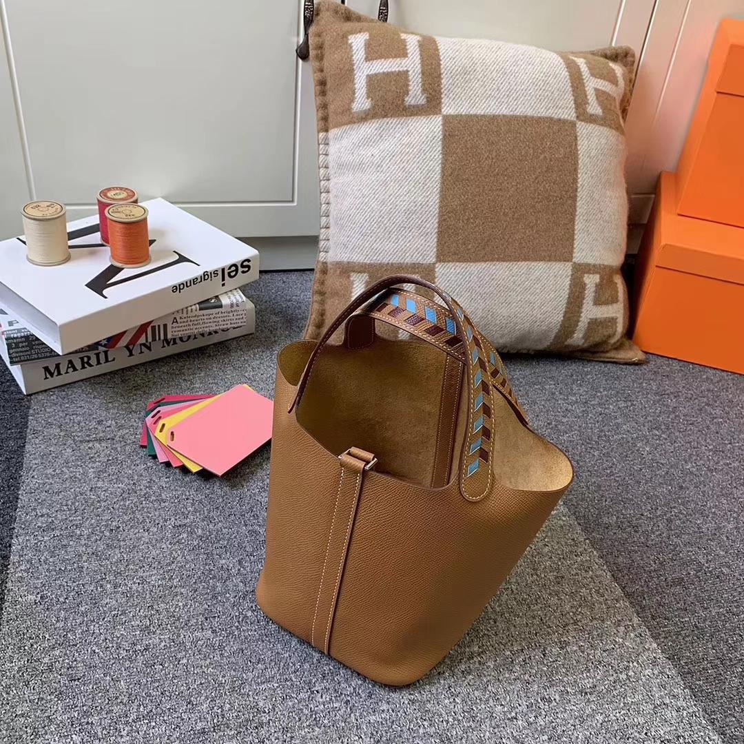 Hermès(爱马仕)C37 金棕色 编织手腕 原厂御用顶级Epsom 皮 Picotin Lock 18cm 银扣 现货