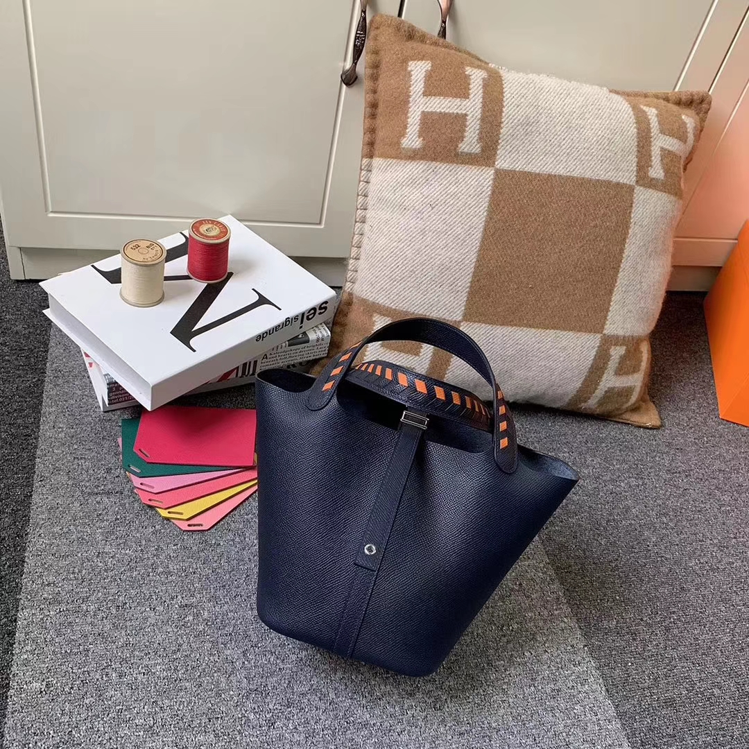 Hermès(爱马仕)Picotin Lock 菜篮包 午夜蓝 编织手腕 原厂御用顶级Epsom 皮 银扣 18cm 现货