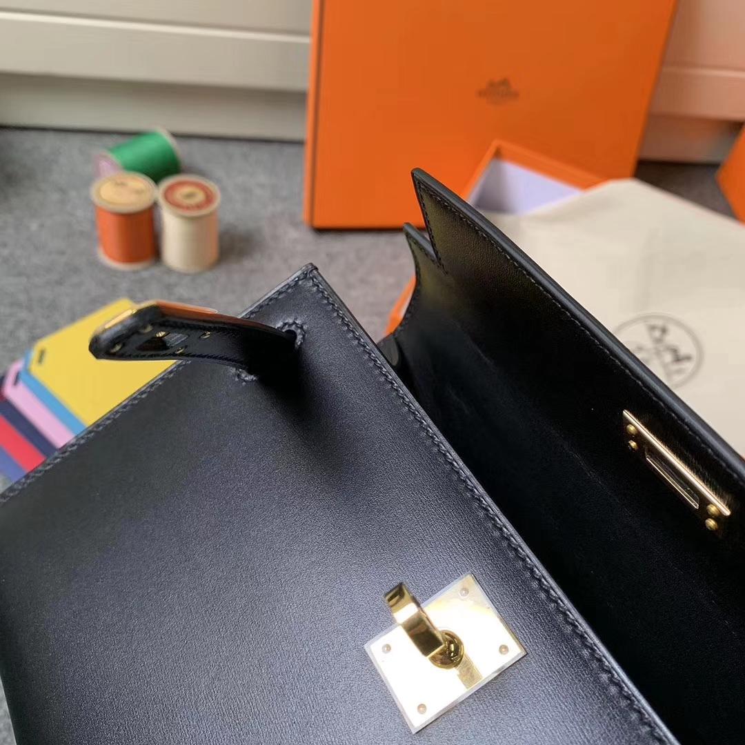 Hermès(爱马仕)黑色 原厂御用顶级Box 皮 Mini Kelly 金扣 现货