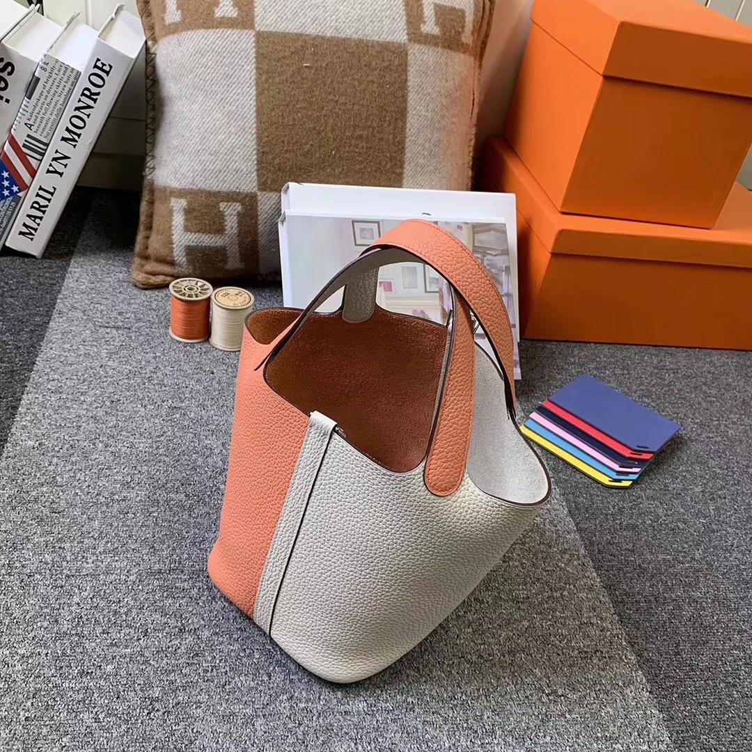 Hermès(爱马仕)奶昔白拼龙虾粉 原厂御用顶级TC 皮 Picotin Lock 18cm 银扣