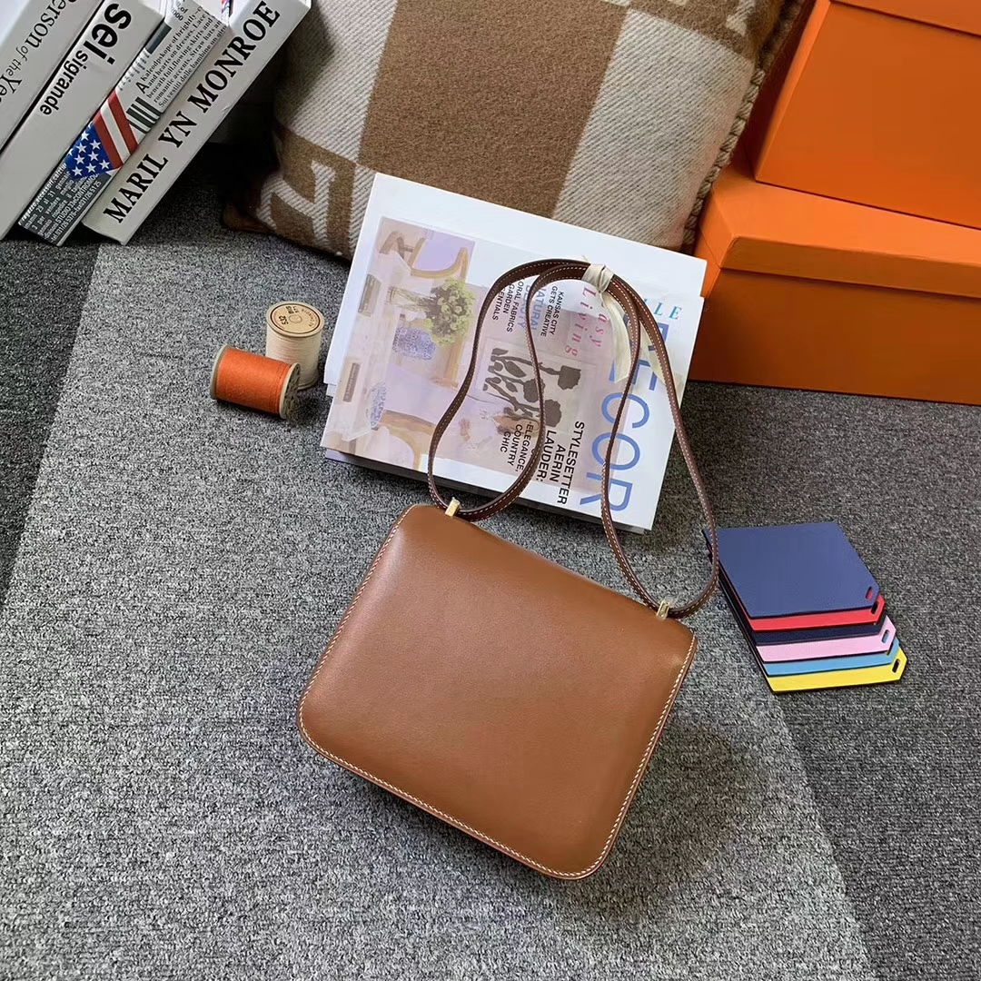 Hermès(爱马仕)C37 金棕色 原厂御用顶级Box 皮 Constance 19 金扣 现货