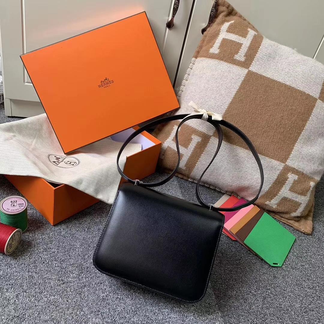 Hermès(爱马仕)CK89 黑色 原厂御用顶级Box 皮 Constance 19 银扣 现货