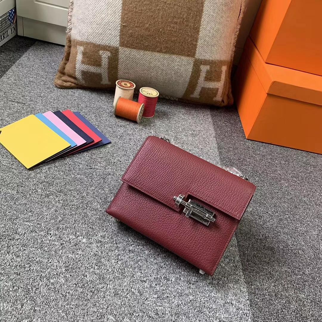 Hermès(爱马仕)爱马仕红 原厂御用顶级山羊皮 Verrou 插销包 现货