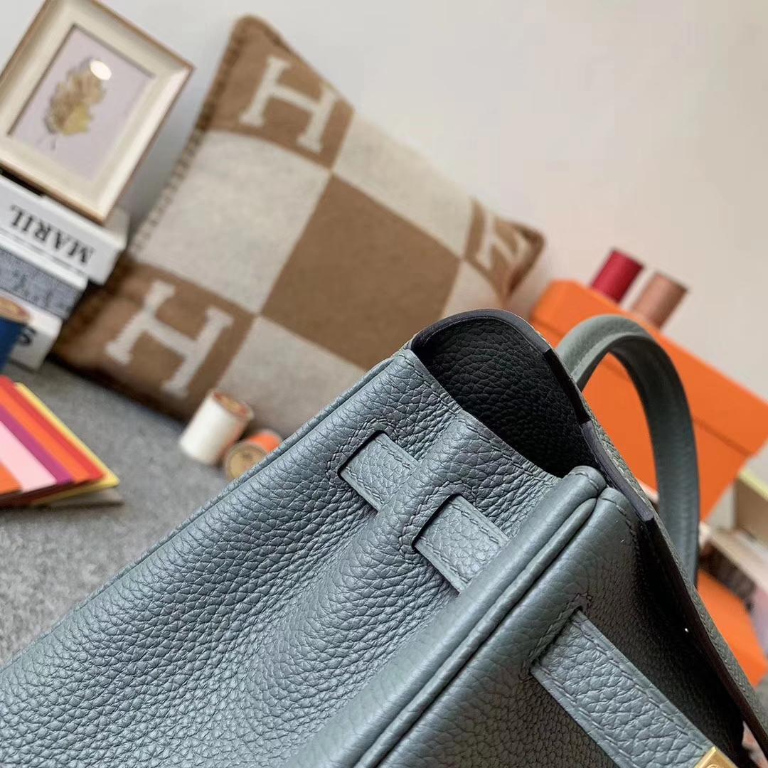 Hermès(爱马仕)杏绿色 原厂御用顶级小牛皮 Kelly 25 金扣 现货