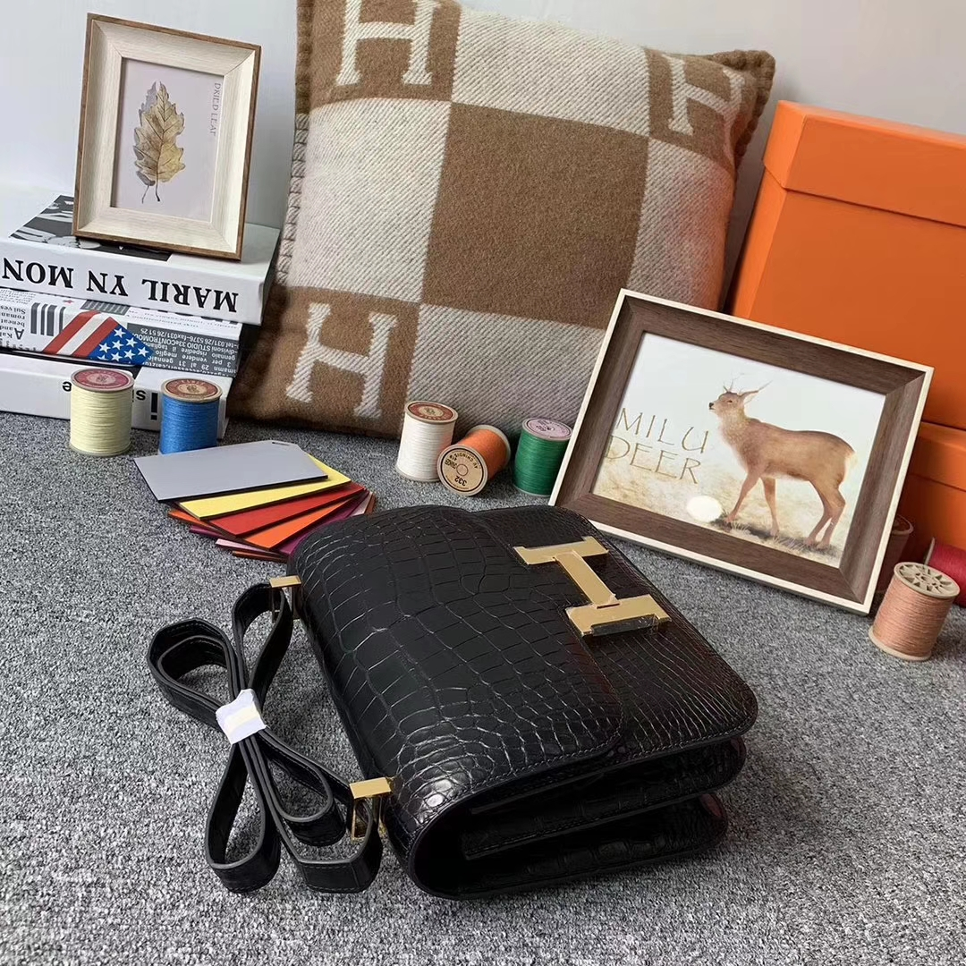 Hermès(爱马仕)CK89 黑色 原厂御用顶级雾面鳄鱼皮 Constance 24 金扣