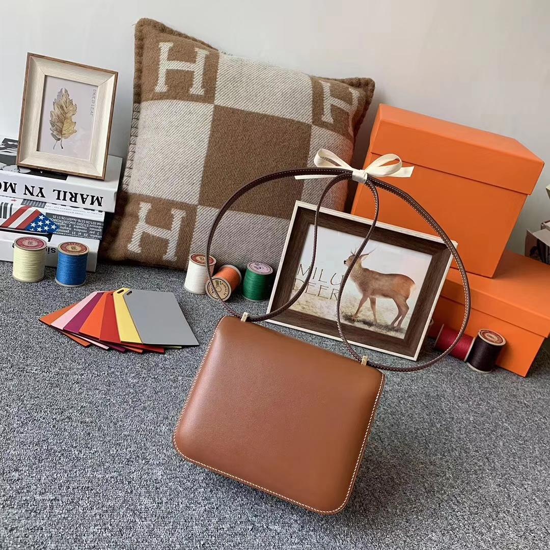 Hermès(爱马仕)C37金粽 原厂御用顶级BOX皮 Constance 19金扣