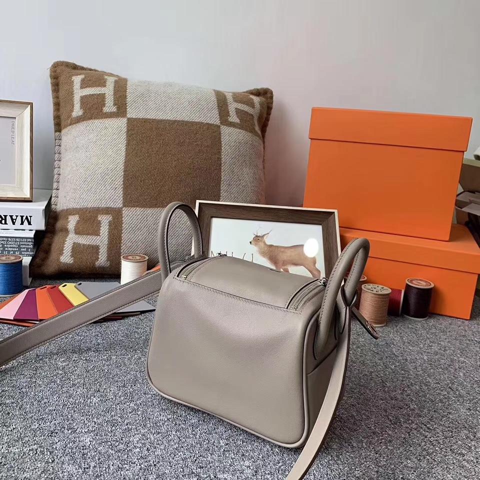 Hermès(爱马仕)M8 沥青灰 原厂御用顶级Swift 皮 Mini Lindy 银扣