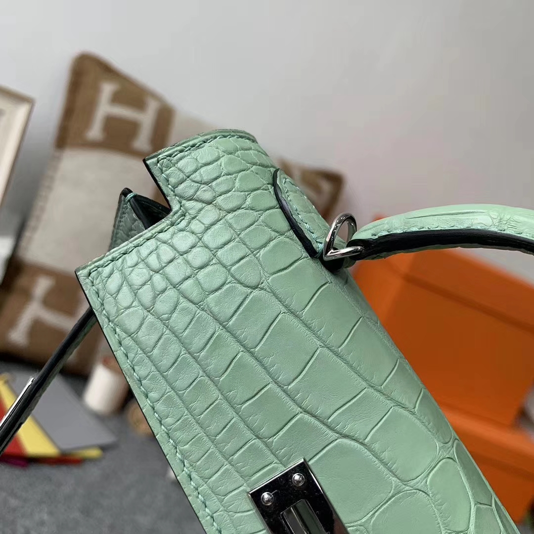 Hermès(爱马仕)6U薄荷绿 原厂御用顶级鳄鱼皮 Mini Kelly 二代 银扣