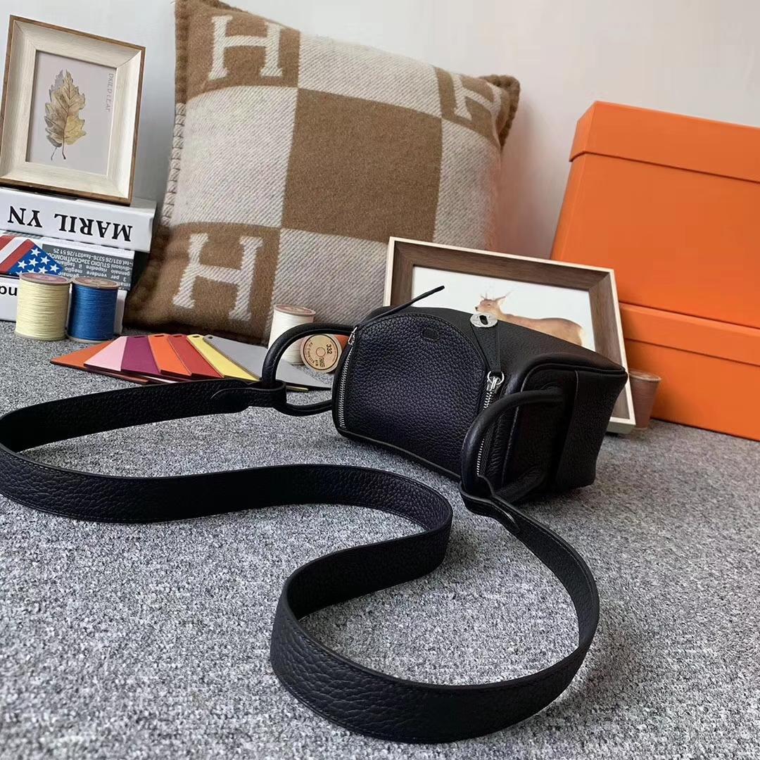 Hermès(爱马仕)黑色 原厂御用顶级TC皮 Mini Lindy 银扣 现货