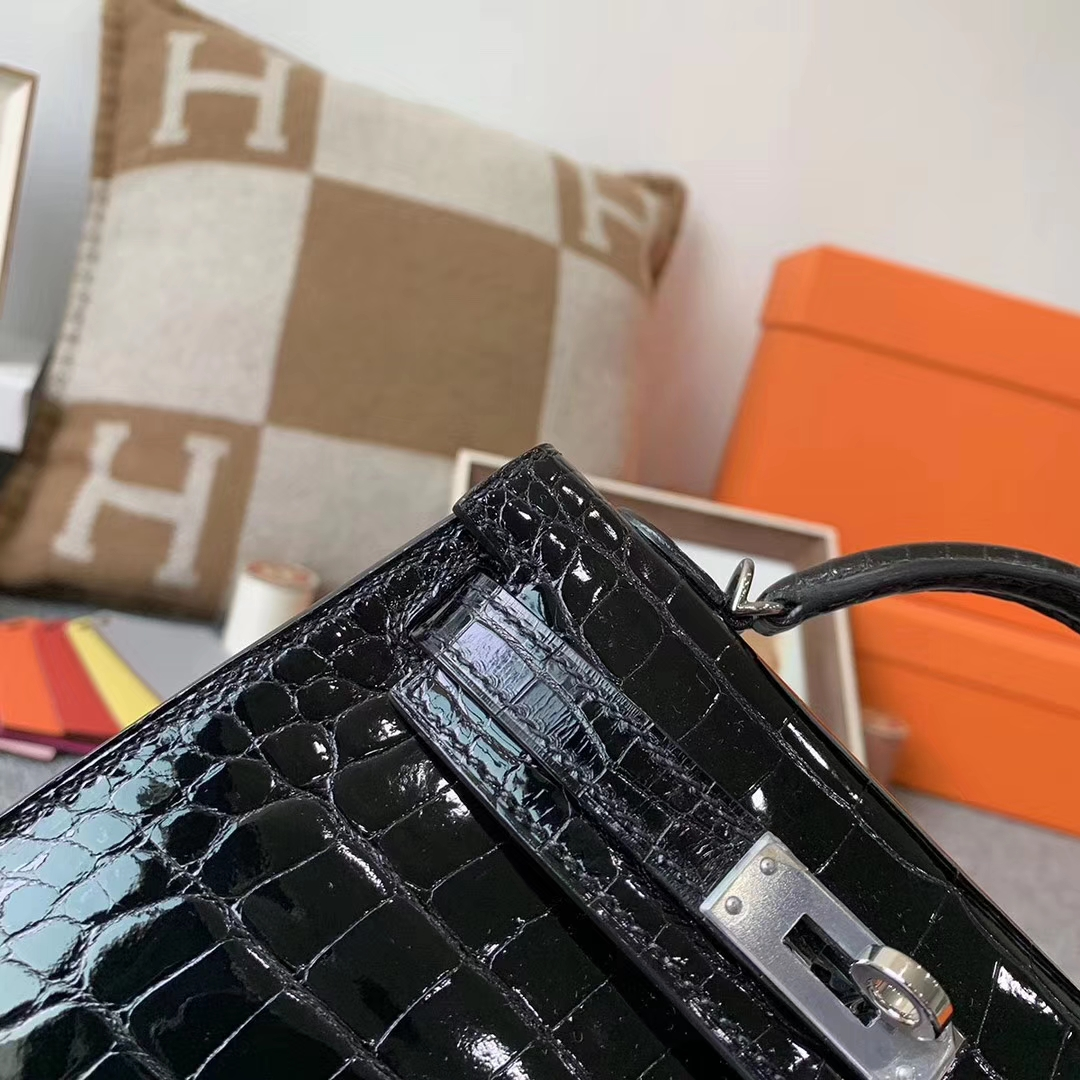 Hermès(爱马仕)CK89 黑色亮面 原厂御用顶级鳄鱼皮 Mini Kelly 二代 银扣 现货