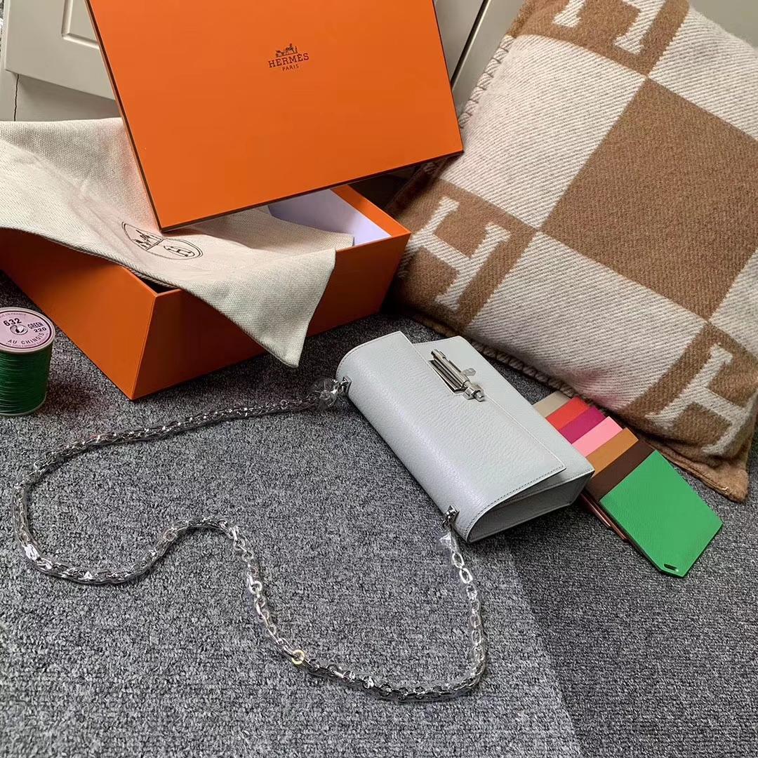 Hermès(爱马仕)C80 珍珠灰 原厂御用顶级山羊皮 Verrou 插销包 现货