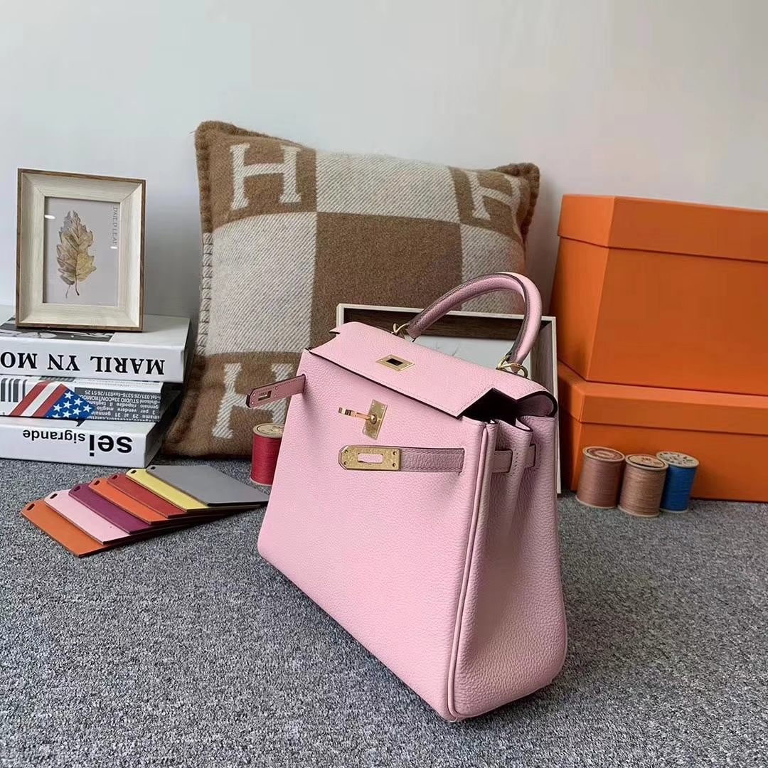 Hermès(爱马仕)3Q新樱花粉 原厂御用顶级小牛皮 Kelly 25 金扣 现货