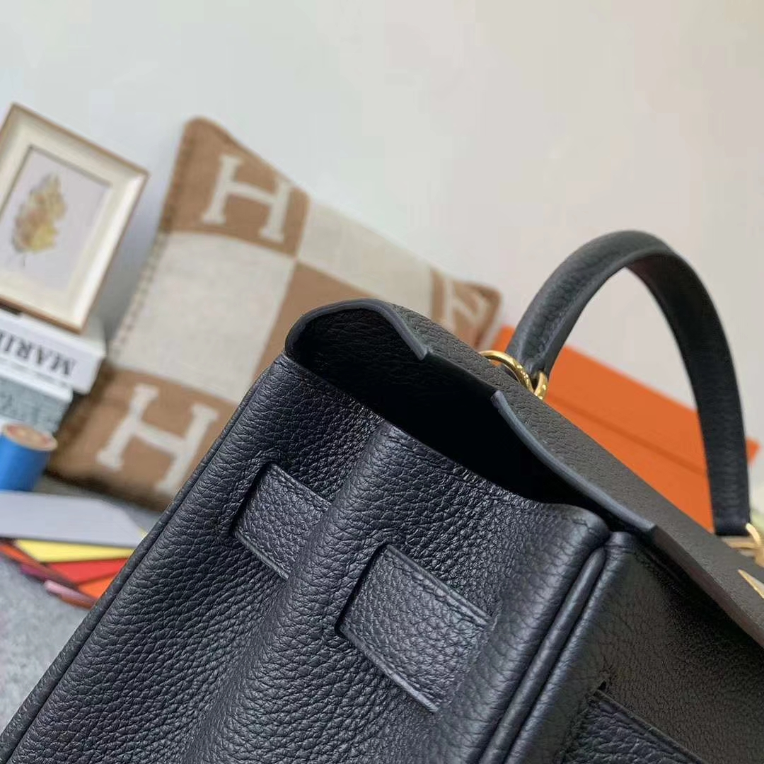 Hermès(爱马仕)Kelly 凯莉包 CK89 黑色 原厂御用顶级小牛皮 金扣 32cm 现货
