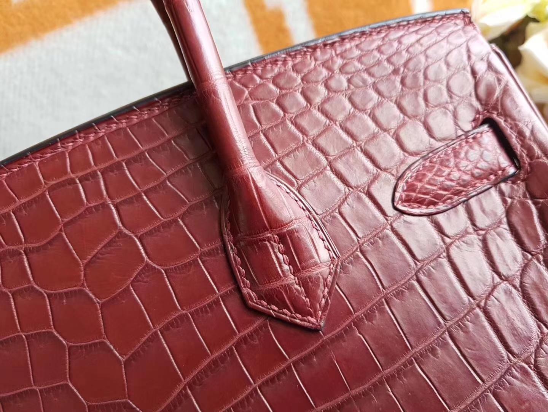 Hermès(爱马仕)Birkin 30CM Hcp 两点鳄鱼皮 Rouge H55 爱马仕红 金扣