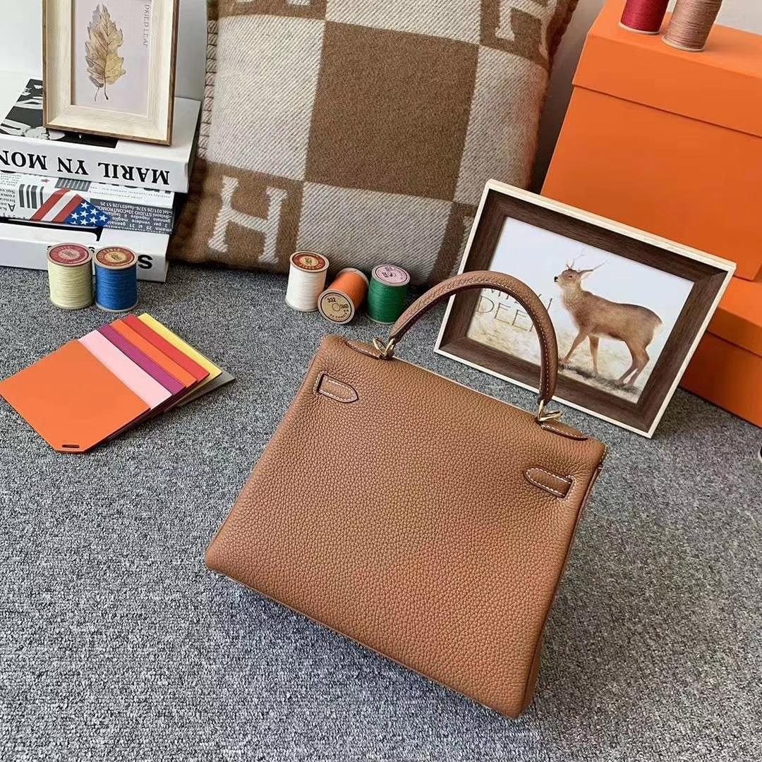 Hermès(爱马仕)C37金棕色 原厂御用顶级小牛皮 Kelly 25 金扣 现货