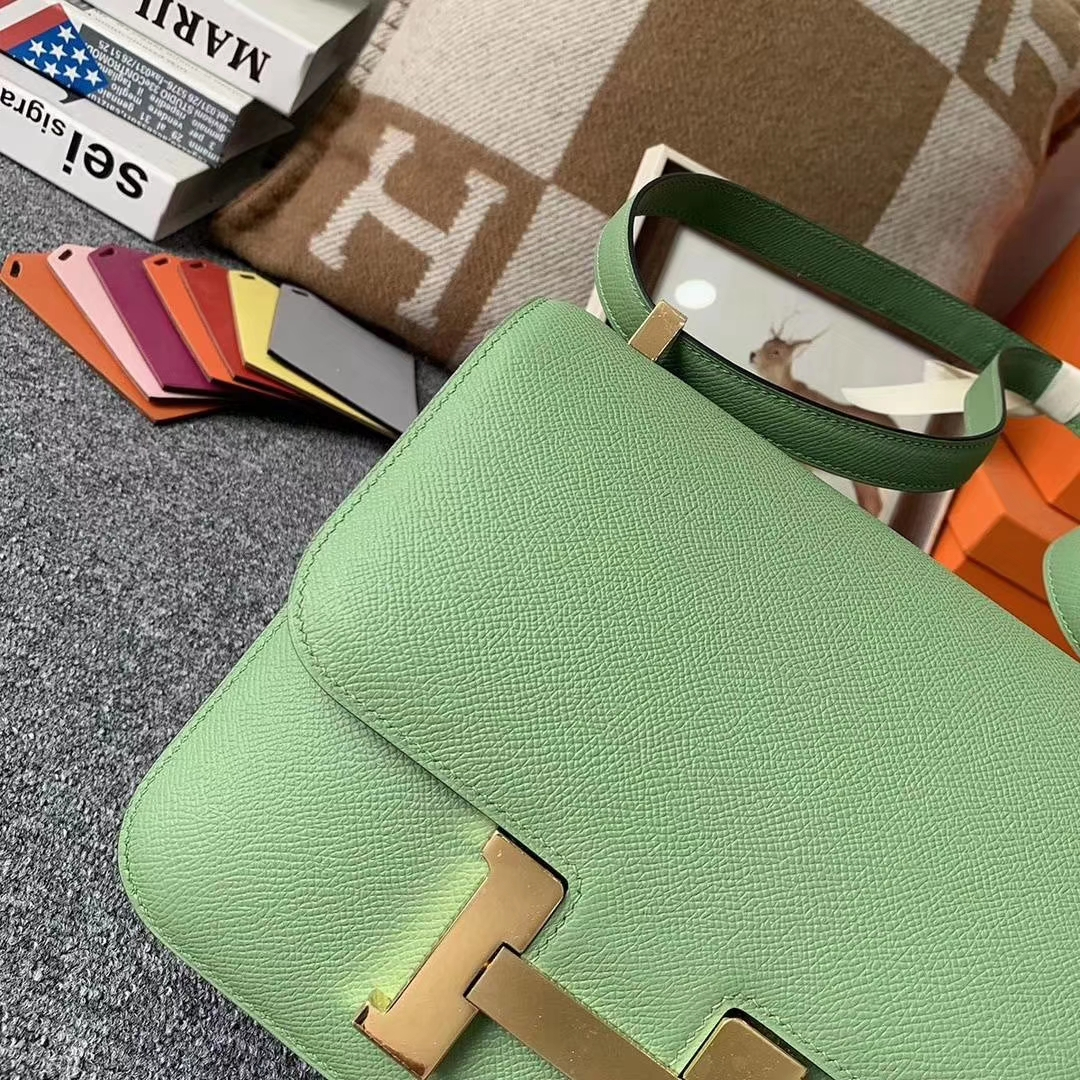 Hermès(爱马仕)I3 牛果油绿 原厂御顶用级Epsom 皮 Constance 24 金扣 现货