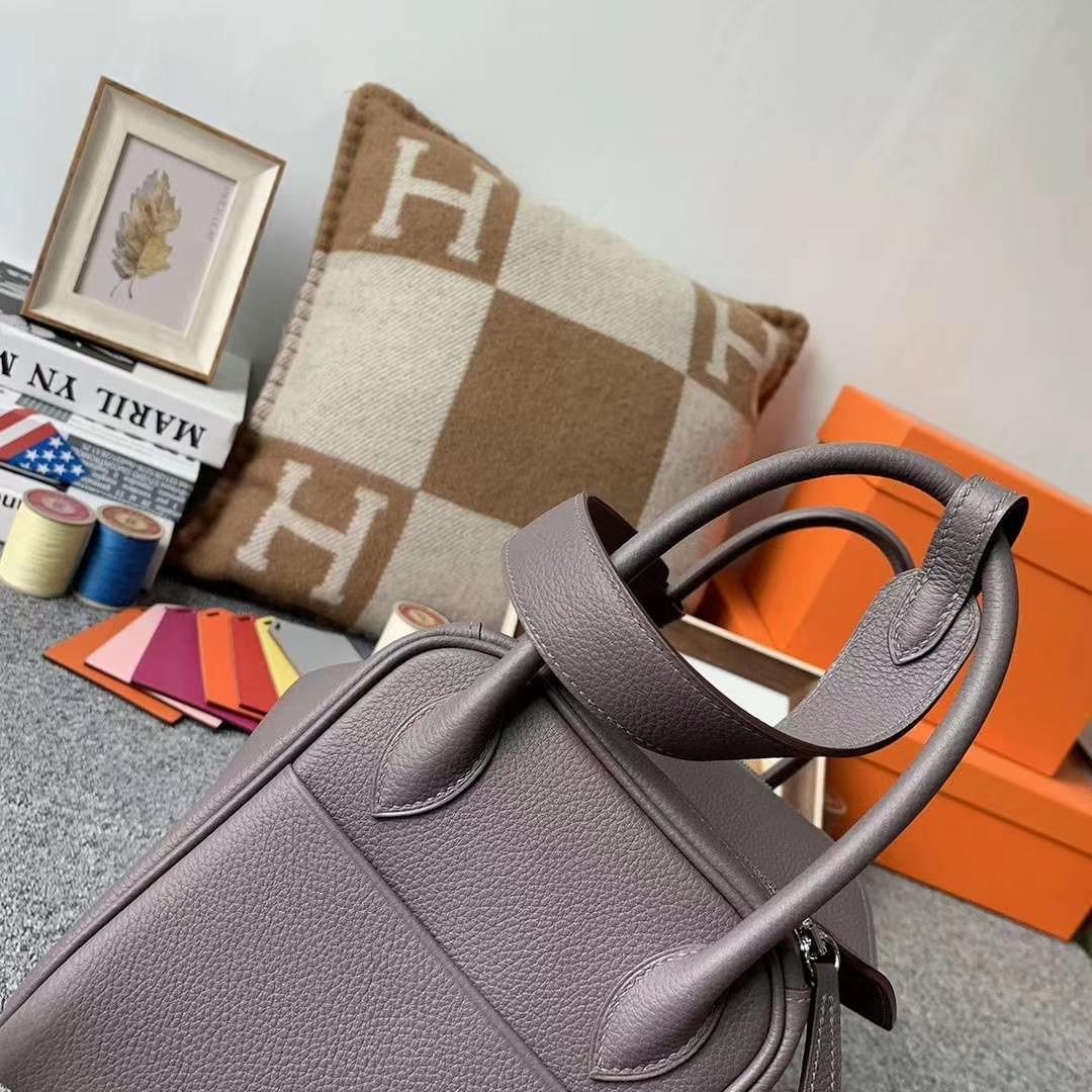 Hermès(爱马仕)8F锡器灰 原厂御用顶级TC皮 Lindy 26 银扣