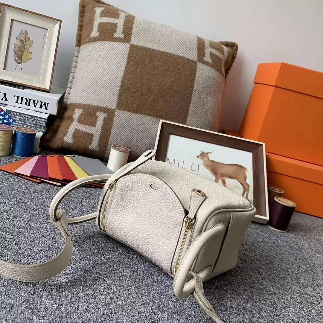 Hermès(爱马仕)奶昔白 原厂御用顶级TC皮 Mini Lindy 金扣 现货