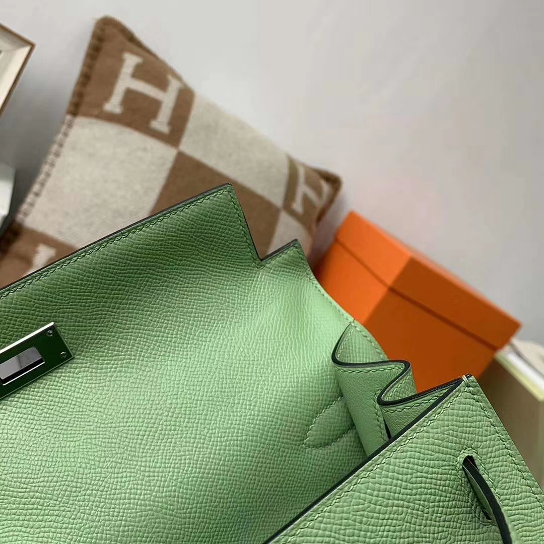 Hermès(爱马仕)3I 牛油果绿 原厂御用顶级Epsom 皮 Kelly 28 外缝 银扣