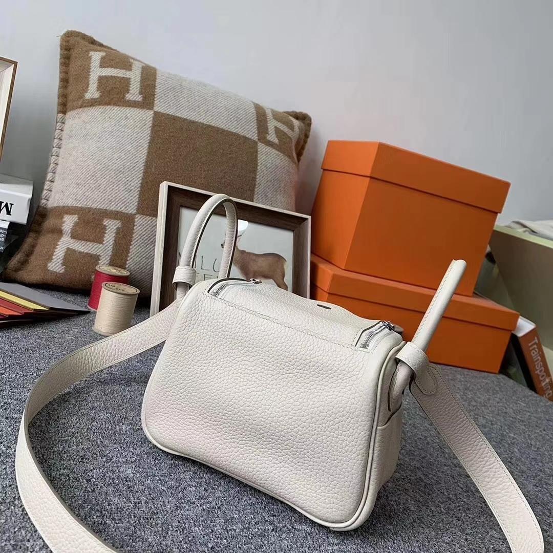 Hermès(爱马仕)奶昔白 原厂御用顶级TC皮 Mini Lindy 银扣 现货