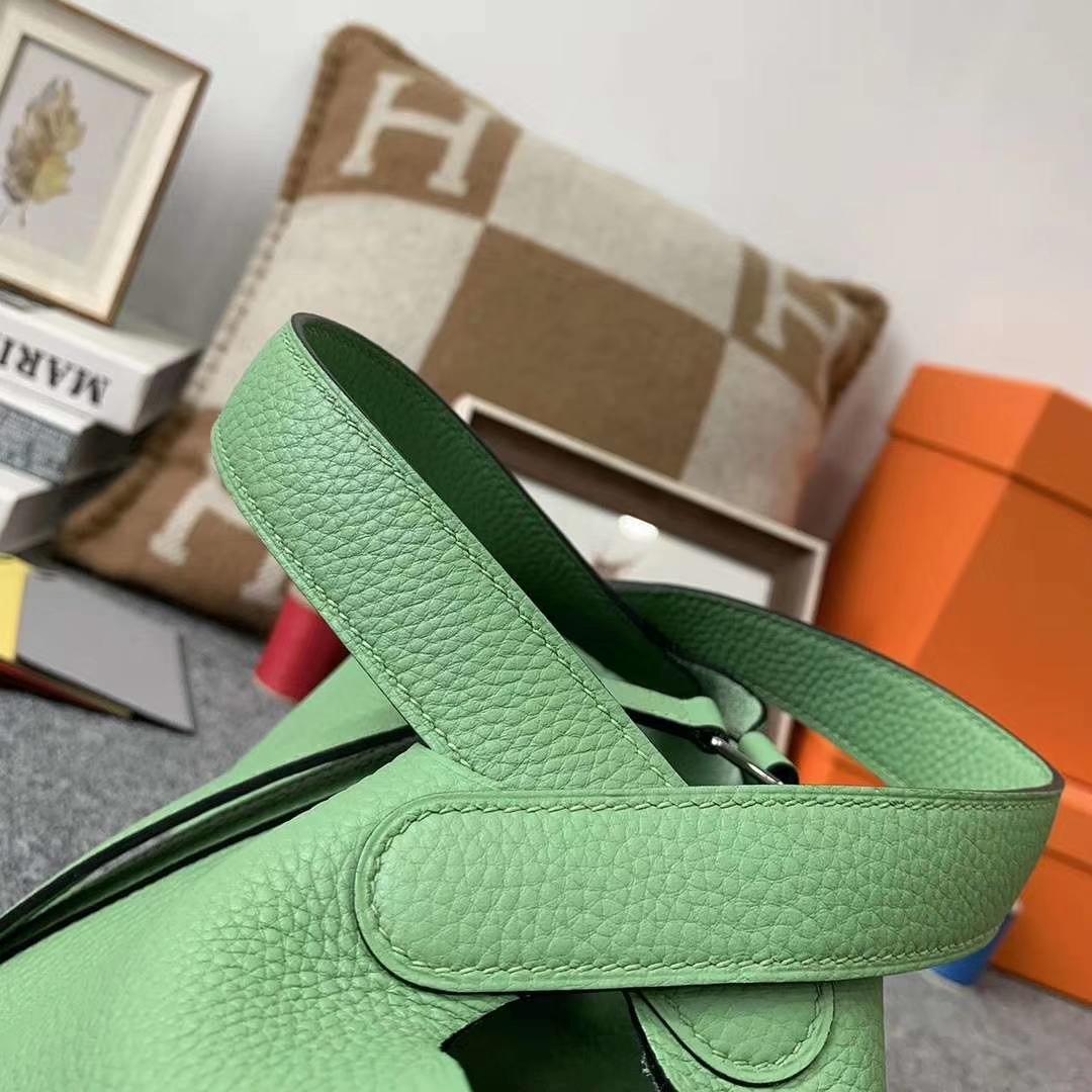 Hermès(爱马仕)3I牛油果绿 原厂御用顶级TC 皮 Picotin Lock 18cm 银扣