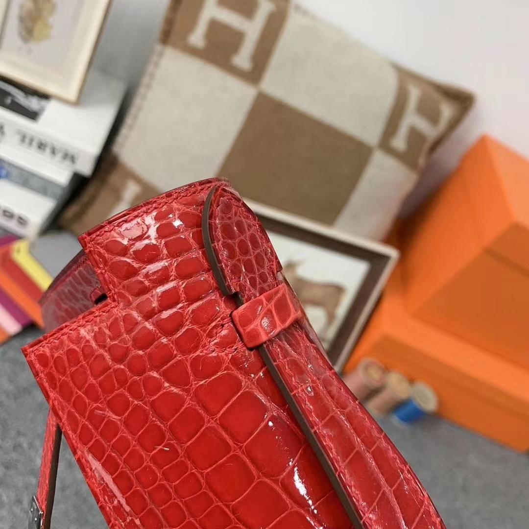 Hermès(爱马仕)法拉利红 原厂御用顶级亮面鳄鱼皮 Mini Kelly 银扣