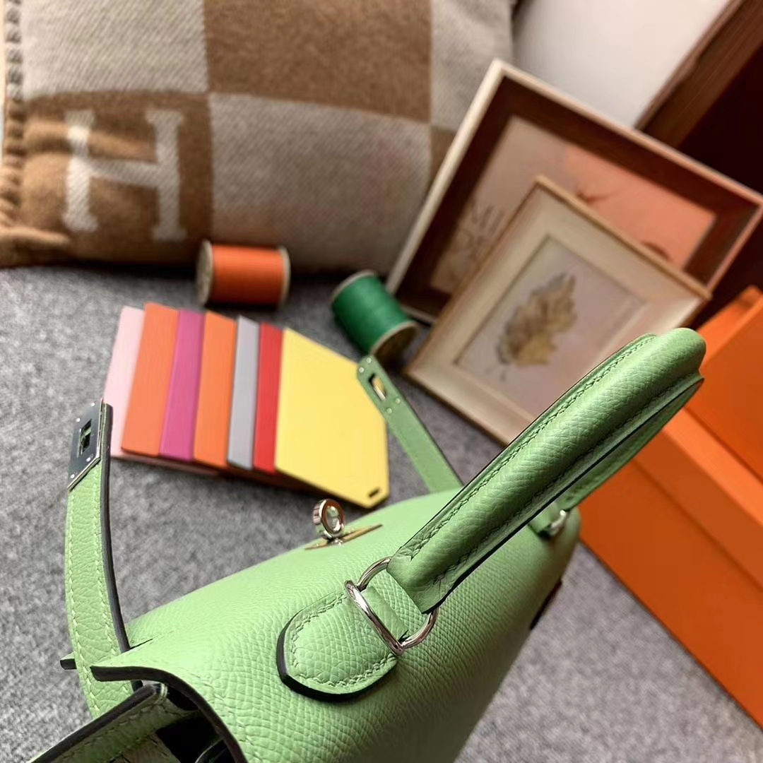 Hermès(爱马仕)3I牛油果绿 原厂御用顶级Epsom 皮 Kelly 25 银扣 现货