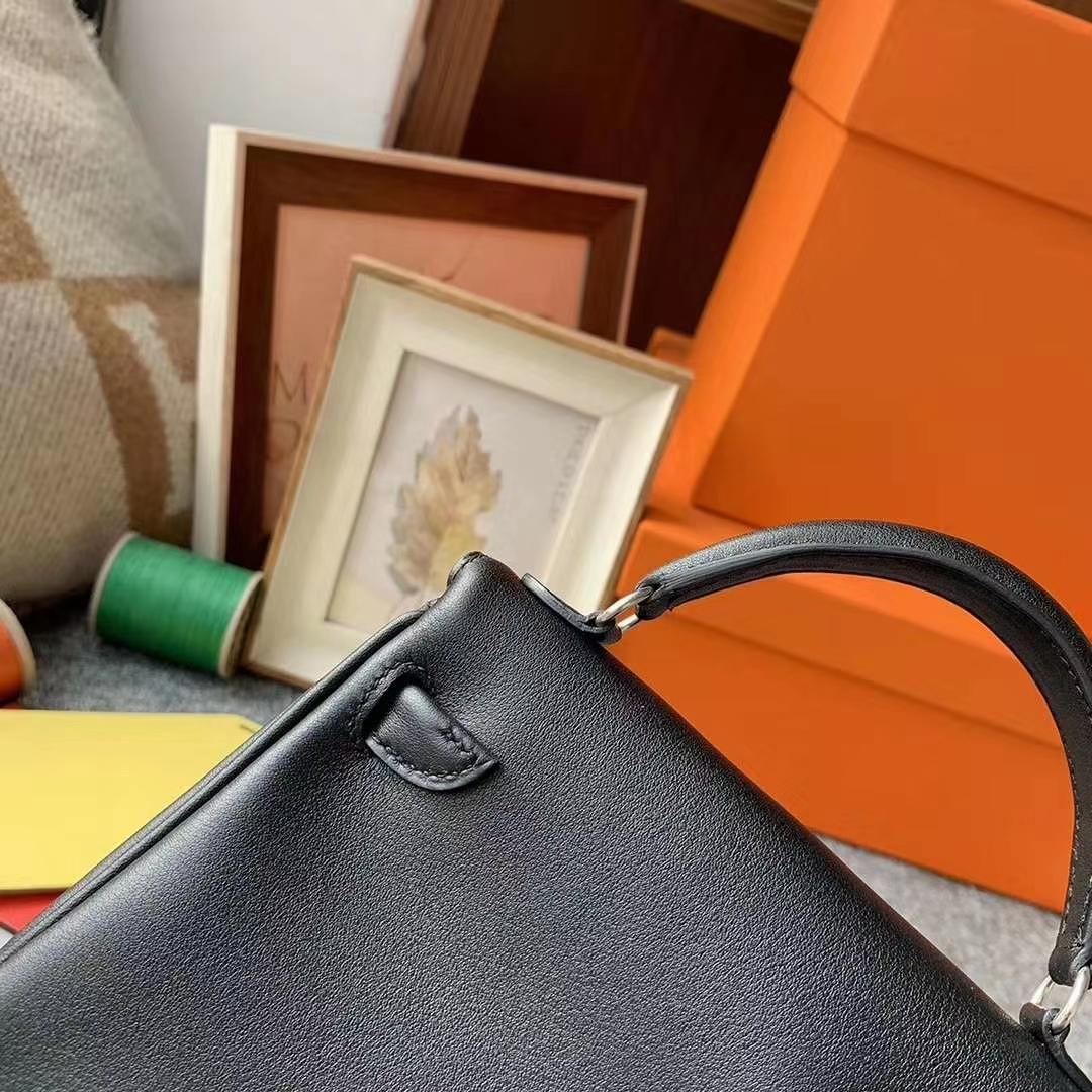 Hermès(爱马仕)黑色拼咖啡 原厂御用顶级Swift 皮 Kelly doll 银扣 现货