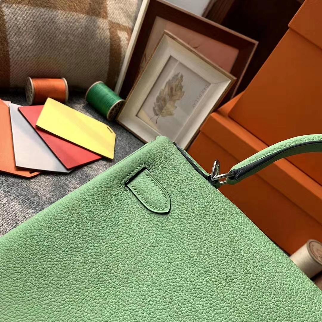 Hermès(爱马仕)牛油果绿 原厂御用顶级小牛皮 Kelly 28 银扣
