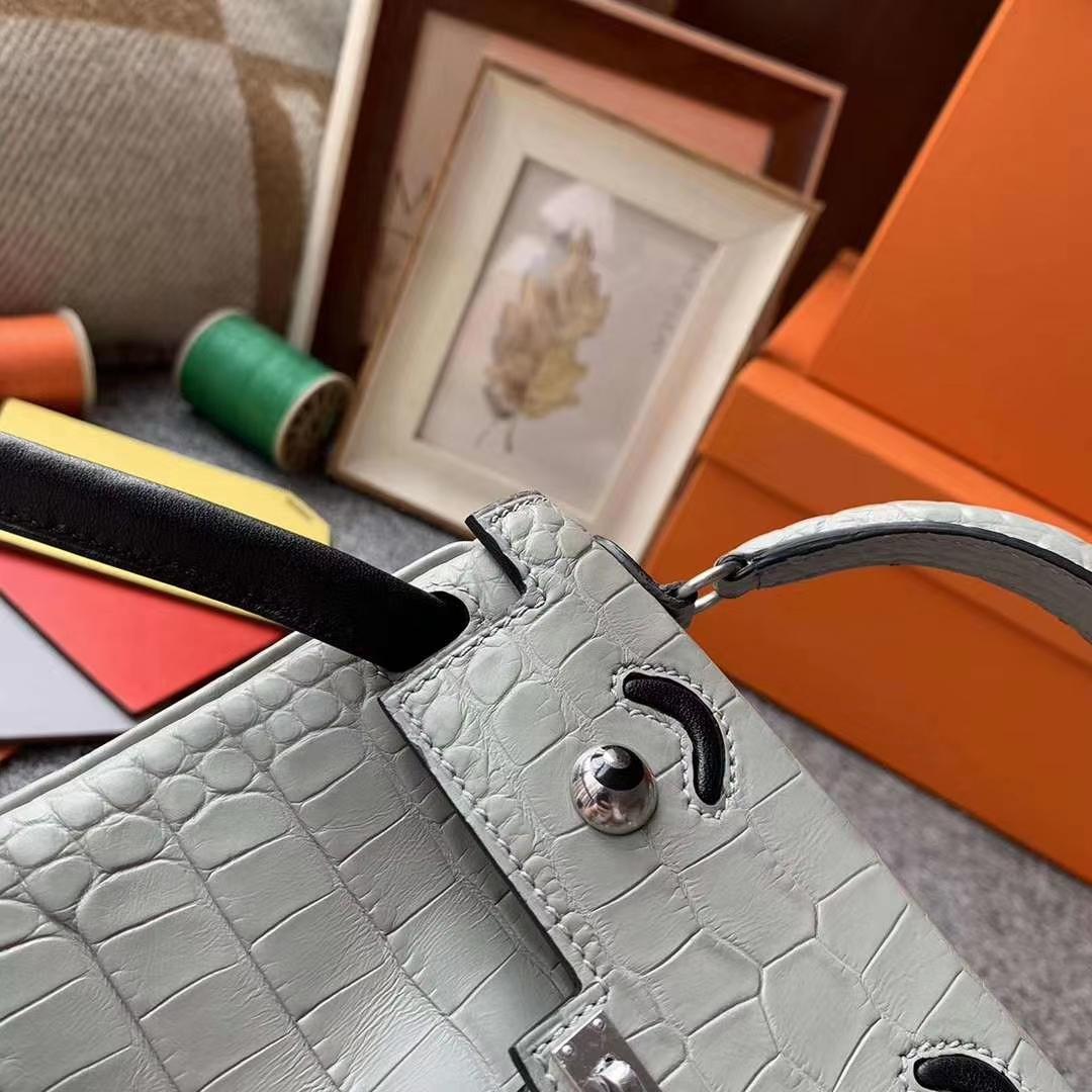 Hermès(爱马仕)C80珍珠灰拼黑色 原厂御用顶级鳄鱼皮拼swift 皮 Kelly doll 银扣