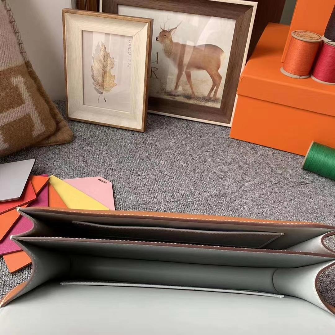 Hermès(爱马仕)金棕拼冰川蓝 原厂御用顶级Ever Color 皮 Constance 26 金扣