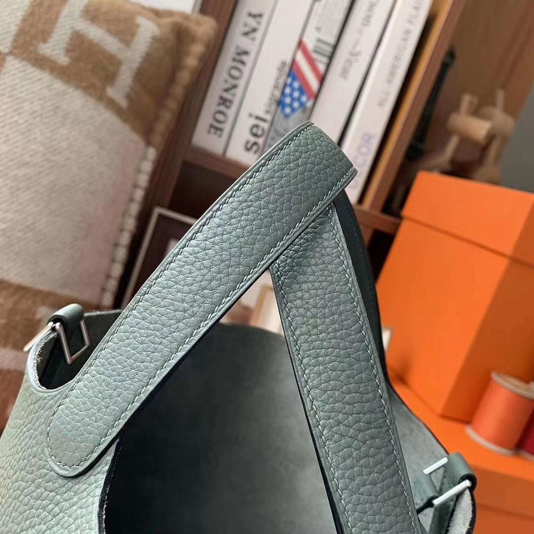 Hermès(爱马仕)杏绿色 原厂御用顶级TC皮 Picotin  Lock 18cm 银扣
