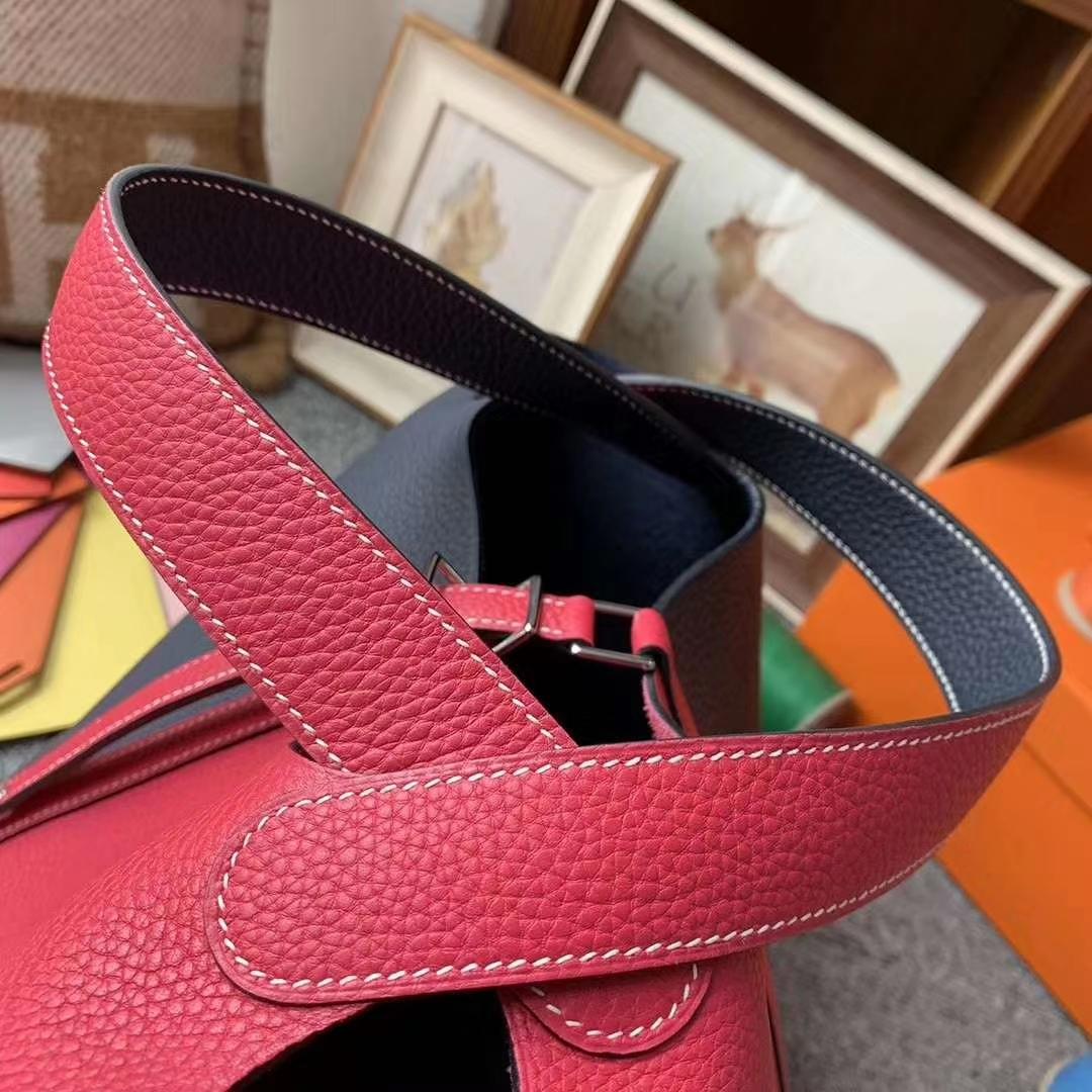Hermès(爱马仕)极致粉拼午夜蓝 原厂御用顶级TC皮 Picotin  Lock 22cm 银扣