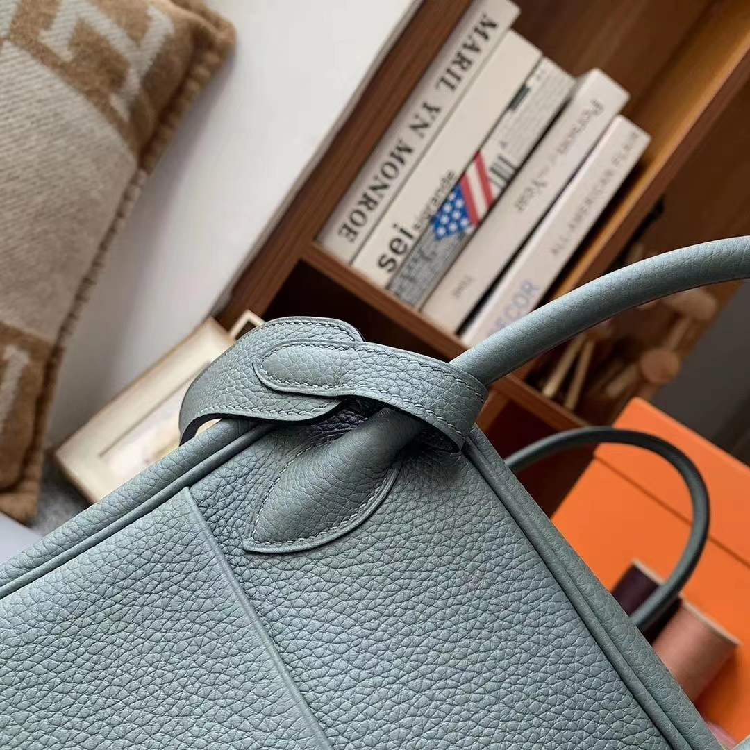 Hermès(爱马仕)杏绿色 原厂御用顶级TC皮 Lindy 30 金扣