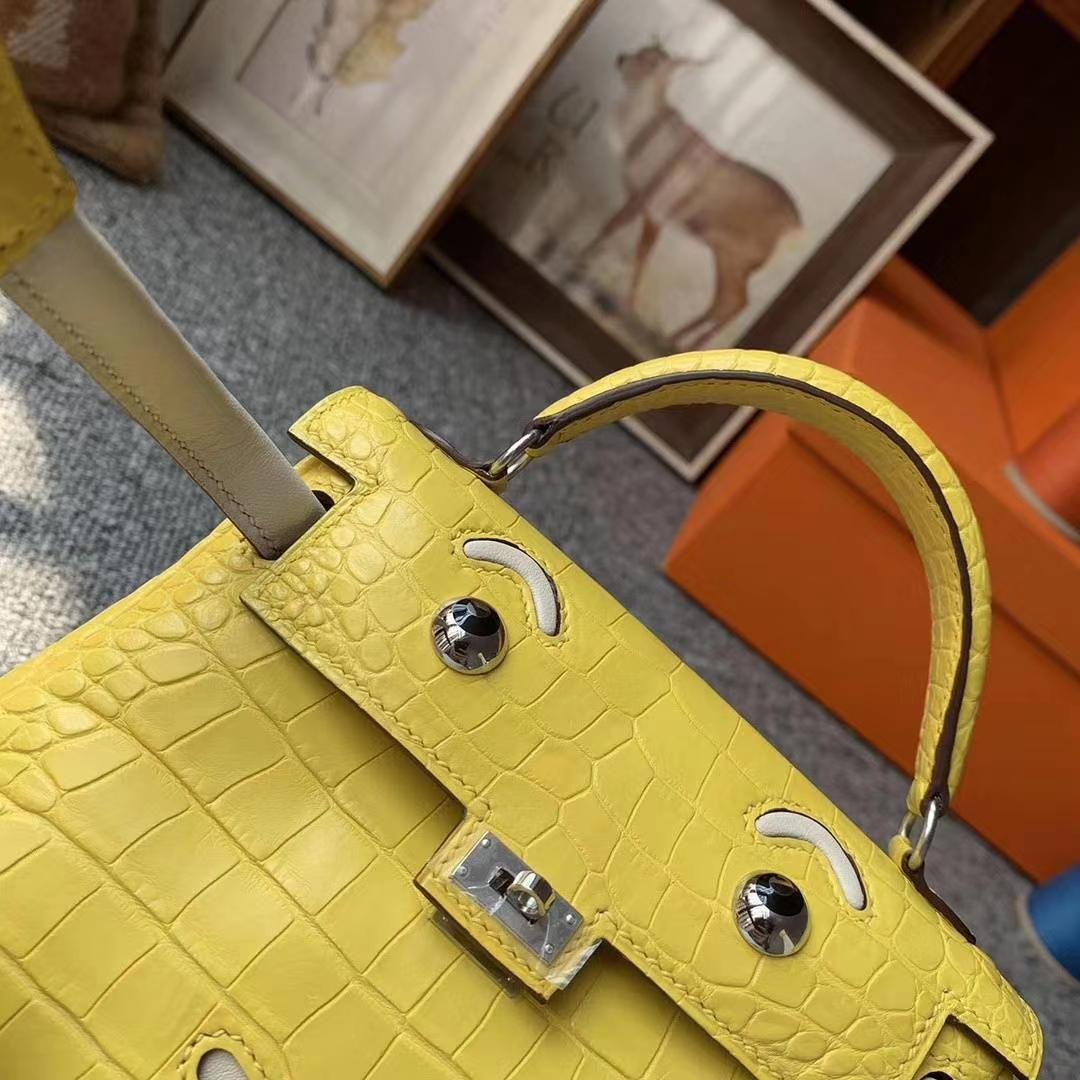 Hermès(爱马仕)9D琥珀黄拼奶昔白 原厂御用顶级鳄鱼皮拼Swift 皮 Kelly doll 银扣