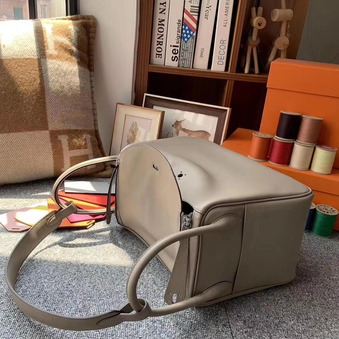 Hermès(爱马仕)M8沥青灰 原厂御用顶级Swift 皮 Lindy 30 银扣