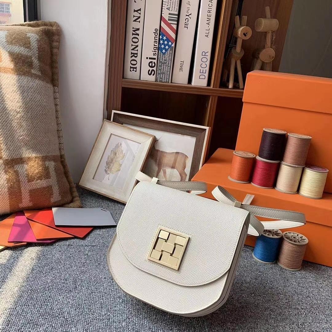 Hermès(爱马仕)奶昔白 原厂御用顶级Epsom 皮 马赛克 浅金扣 出货