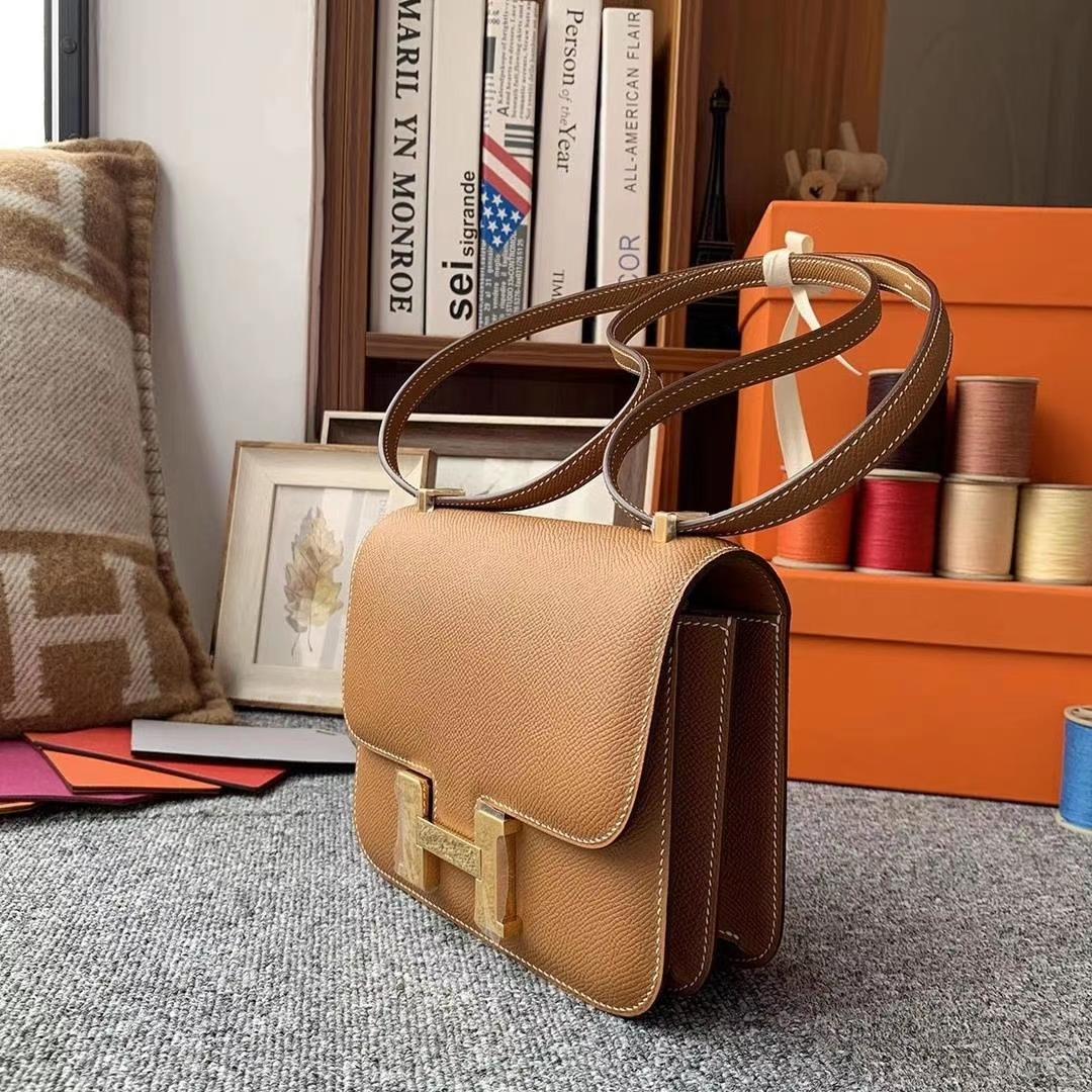 Hermès(爱马仕)C37金棕色 原厂御用顶级Epsom 皮 Constance 19 金扣 现货