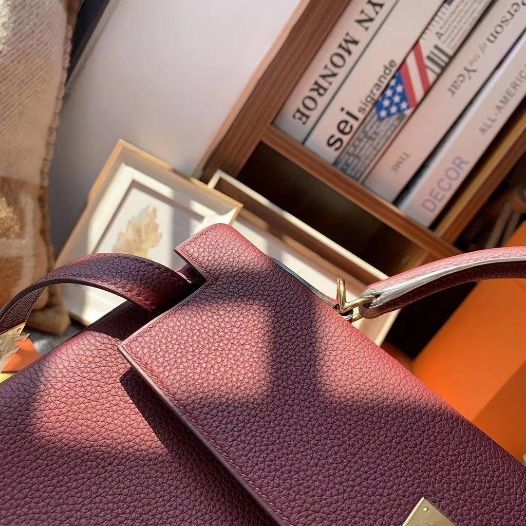 Hermès(爱马仕)爱马仕红 原厂御用顶级小牛皮 Kelly 32 金扣
