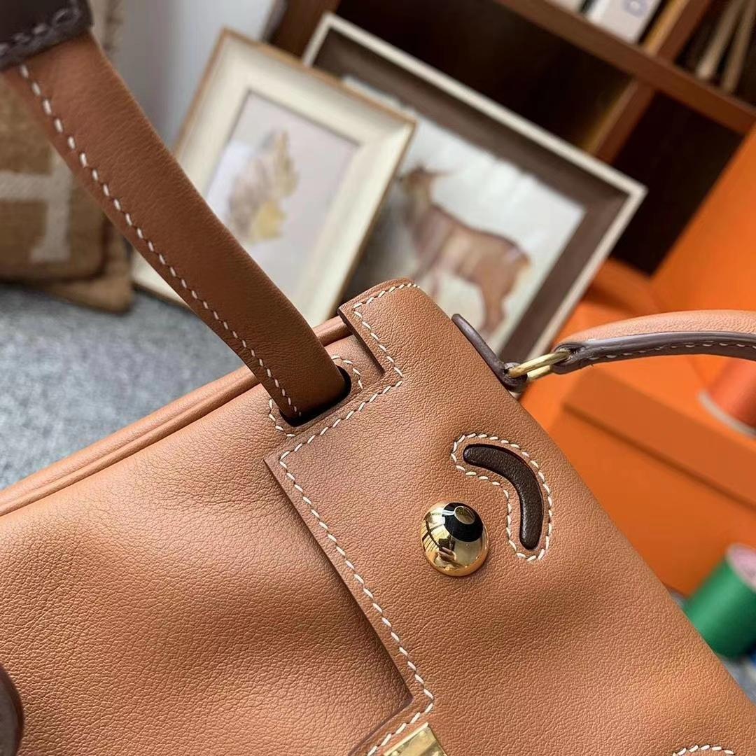 Hermès(爱马仕)C37金棕色拼咖啡色 原厂御用顶级Swift 皮 Kelly Doll 金扣 银扣 现货