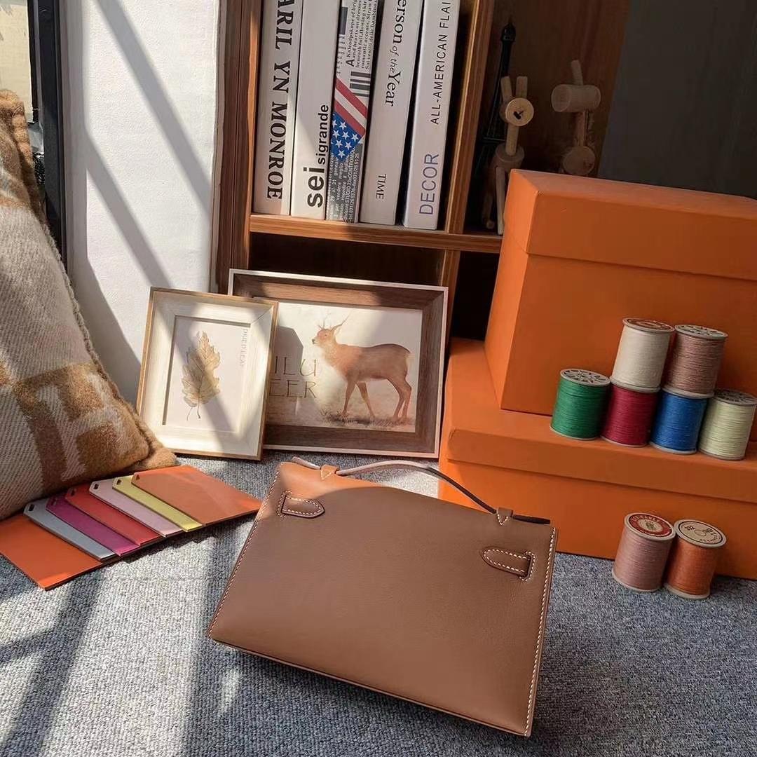 Hermès(爱马仕)C37金棕色 原厂御用顶级Swift 皮 Mini Kelly 金扣 现货