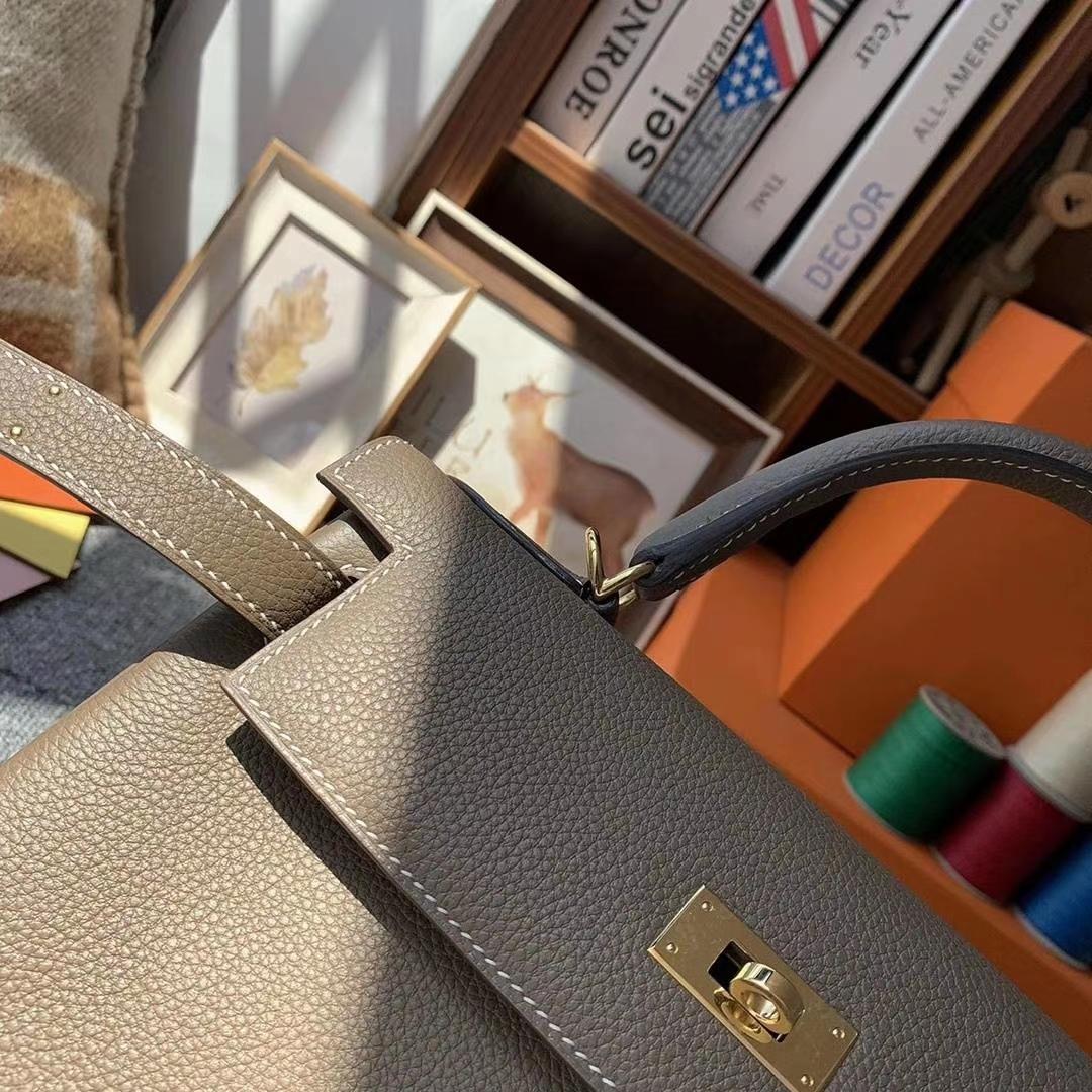 Hermès(爱马仕)大象灰 原厂御用顶级小牛皮 Kelly 28 金扣 现货